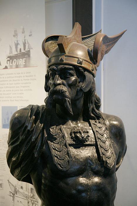 Buste de Brennos, Europe, antiquité